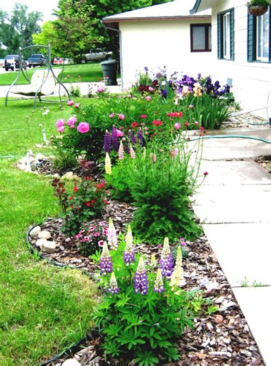 Easy Landscaping Ideas: 35 DIY Simple Landscaping Design Ideas For 2019 15
